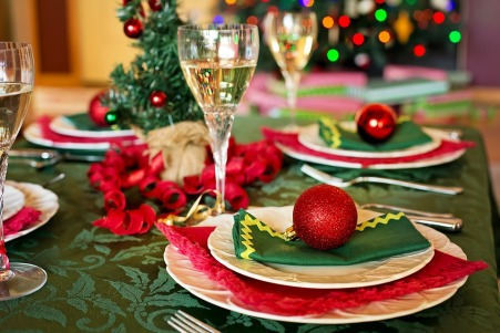 christmas-table-1909796_960_720.jpg