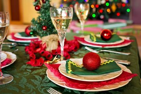 christmas-table-1909796_960_720.jpg